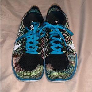 Women's NikeiD Flyknit Shoes
